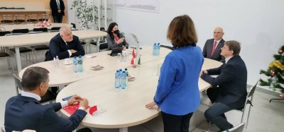 Борисов и швейцарският посланик у нас посетиха завода за кабели в Търговище