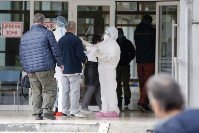 Обмислят PCR тестове на границата или карантина за влизащи в Сърбия