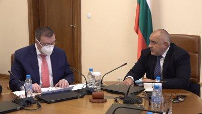 Мерките да останат до 31 януари, предлага здравният министър