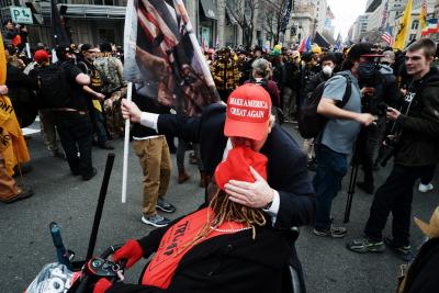 Демонстрации за и против Доналд Тръмп във Вашингтон