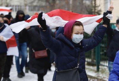 Повече от 300 протестиращи бяха задържани в Минск