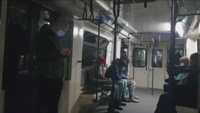 """Мотрисата на метрото спря в тунела преди станция Стадион """"Васил Левски"""""""