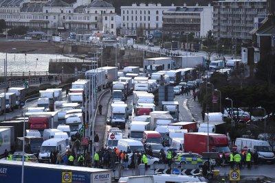 Голяма част от българските шофьори вече са преминали прохода под Ламанша