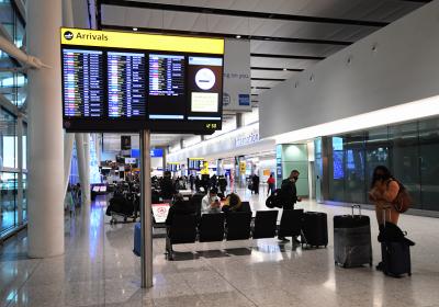 България възобновява полетите от и до Великобритания