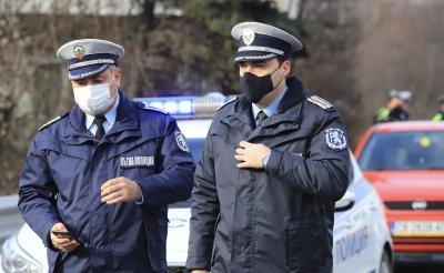 Полицията ще следи за скоростта по магистралите и първокласните пътища и по празниците