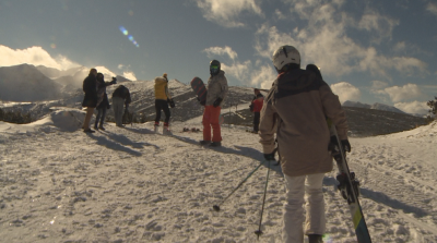 Министърът на туризма: Спазват се мерките в ски курортите