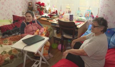 """""""Българската Коледа"""" помага на 12-годишната Анна-Даная в мечтата ѝ да проходи"""