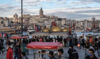 """Турция отмени PCR теста за транзитни пътници, Белгия въведе карантина за страни от """"червената зона"""""""