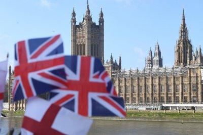 Англия е под нова обща карантина до средата на февруари