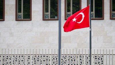Турция арестува над 260 души по обвинение в тероризъм