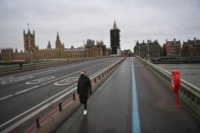Нова пълна карантина във Великобритания поне до средата на февруари
