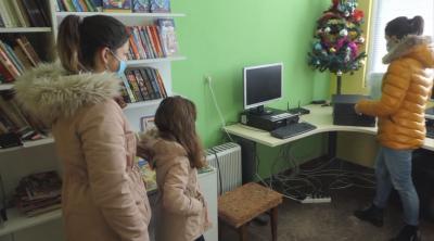 Дариха десетки компютри и таблети за онлайн обучението във Видинско