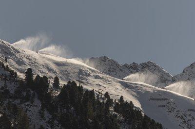 Опасност от лавини в Австрия, двама загинаха в Южен Тирол