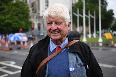 Заради развода между Лондон и Брюксел: Бащата на Борис Джонсън иска френско гражданство