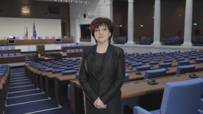 Цвета Караянчева: Не трябва да забравяме уроците на изминалите 12 месеца