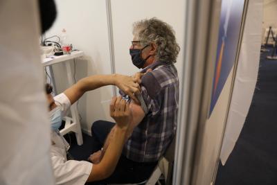 Израел планира 2 милиона ваксинации до края на януари