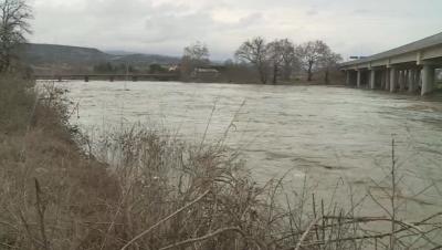 Залети са земеделски площи в Струмяни, няма опасност за газопровода България - Гърция