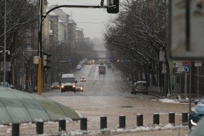 148 машини почистваха улиците на София заради снега