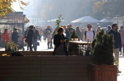 """""""Алфа Рисърч"""": 6 партии влизат в следващия парламент, за ГЕРБ гласуват 24.3%, за БСП - 21.9%"""
