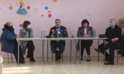 На живо: Какво е важно да знаем за ваксините - доц. Ангел Кунчев говори пред учители в село Бояджик