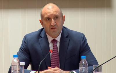 Президентът разговаря онлайн с български организации зад граница за изборите