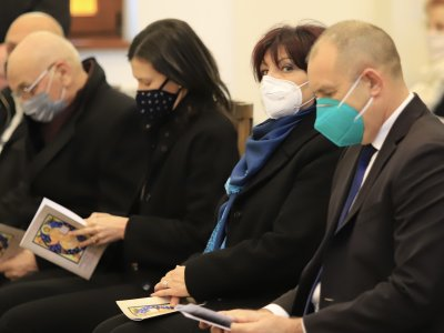 Доколко удачна е датата за изборите - задочен спор между Цвета Караянчева и Румен Радев