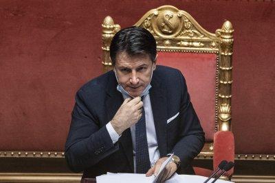 Италианският премиер Джузепе Конте подава оставка