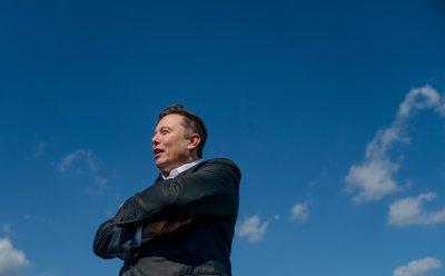 Мъск дава 100 милиона долара за технология за улавяне на въглероден диоксид