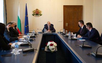 """Румен Радев обсъди домакинството на """"Три морета"""" с Българската банка за развитие"""
