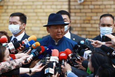 Премиерът на Монголия подаде оставка след протести