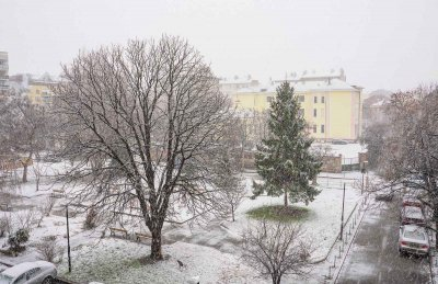 Днес и утре - валежи от дъжд и сняг, затопляне от петък