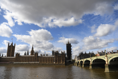 Британското правителство няма да отпусне по 500 паунда за всеки с положителен тест