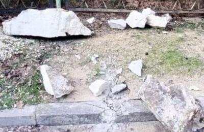 Скален къс падна на улица в Провадия