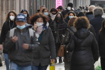 Нови правила и протести срещу COVID мерките в Европа