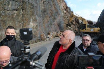 Пътят през Искърското дефиле край Елисейна ще остане затворен поне до сряда