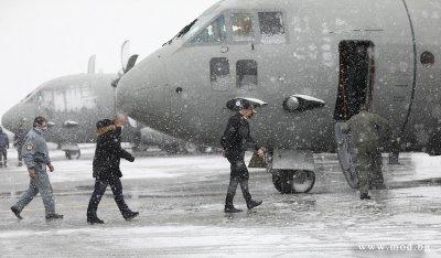 Началниците на отбраната на България и РСМ отпътуваха заедно за заседанието на НАТО