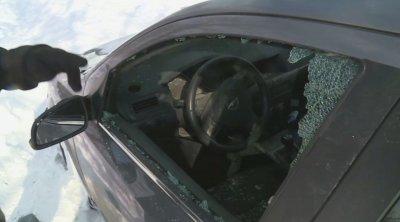 Вандали изпотрошиха закъсали в преспите автомобили във Варненско