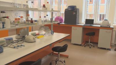 Нов учебен център по молекулярна генетика в СУ