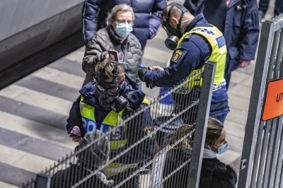Швеция въвежда изискване за задължителен PCR тест при влизане в страната
