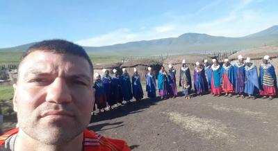 Тервел Пулев се срещна с племето масаи в Танзания