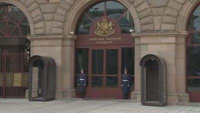 Президентството: Синът на Радев не е задържан от органи на МВР или отвеждан в РПУ