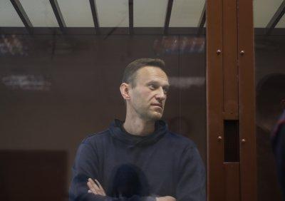 Среднощна акция и обиск в офис на Алексей Навални