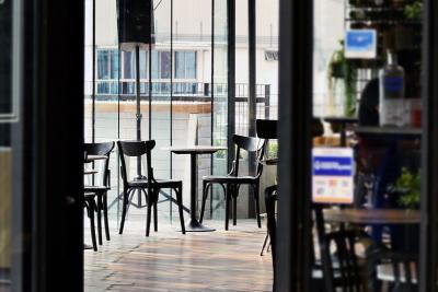Още разхлабване на мерки: Повече ученици в клас, отварят и ресторантите (Обзор)