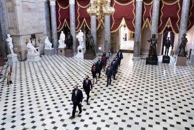 56 сенатори дадоха старт на процеса по импийчмънт на Тръмп