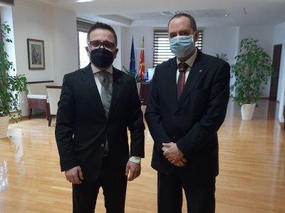 Посланикът ни в Скопие се срещна с министъра на финансите Фатмир Бесими