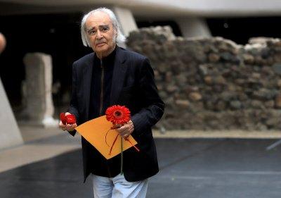 Заслужили български творци ще получават държавни парични награди