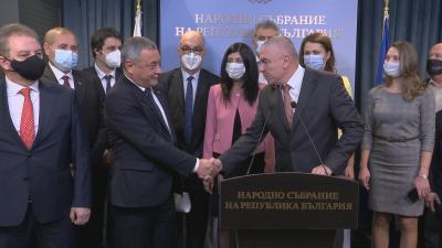 "НФСБ и ""Воля"" ще участват в коалиция на предстоящия вот (Обзор)"