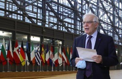 Външните министри на ЕС обсъждат възможни санкции срещу Москва