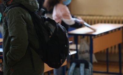 Учениците от 5., 10. и 11. клас се връщат в училище