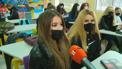 Учениците от 10. и 11. клас в Пловдив - готови за първия учебен присъствен ден